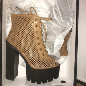 NEW In Box Chunky Platform Lug Sole Heels Tan 7